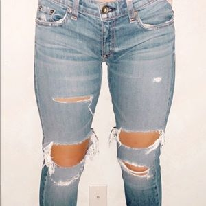 cute ripped skinny jeans ✰